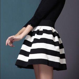 Express B&W striped skirt